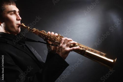 Papiers peints Musique Saxophone player. Saxophonist with soprano sax