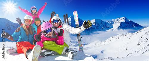 Fotobehang Wintersporten Ski, winter, snow - family enjoying winter vacation