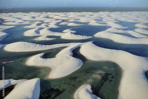 widok-z-lotu-ptaka-len-cois-maranhenses-park-narodowy-brazylia