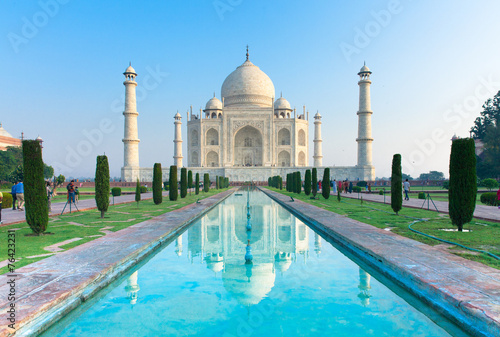 Spoed Foto op Canvas India The morning view of Taj Mahal monument
