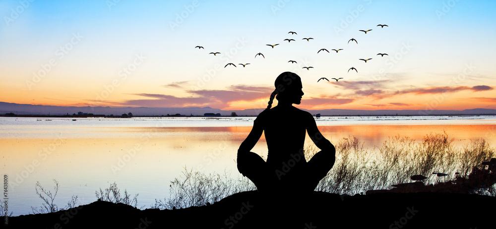 Fototapeta espiritualidad en el lago
