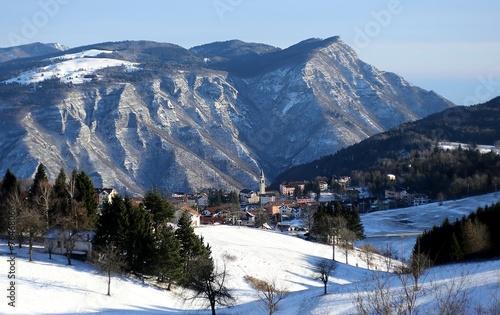 Photo mountains and the village of TONEZZA del Cimone, Italy