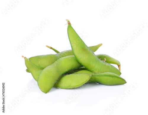 Fotomural green soybeans on white background