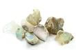 Opale isoliert auf weißem Hintergrund