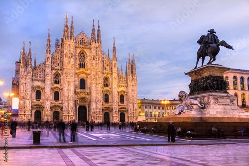 obraz lub plakat Duomo w Mediolanie, we Włoszech.