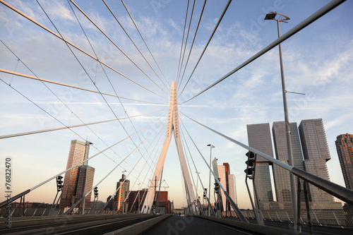 Tuinposter Rotterdam Driving on Erasmus Bridge