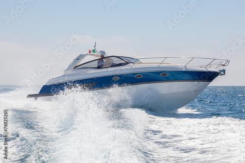 Fotografia  motor boat