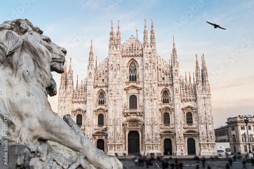 Fototapeta premium Katedra w Mediolanie Duomo. Włochy. Europejski styl gotycki.