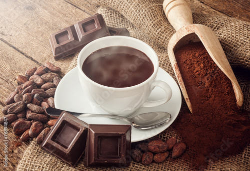 Staande foto Chocolade Cup of hot chocolate