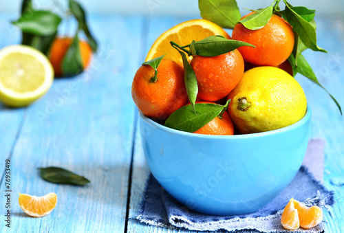 Keuken foto achterwand Vruchten Citrus fruit in a bowl.
