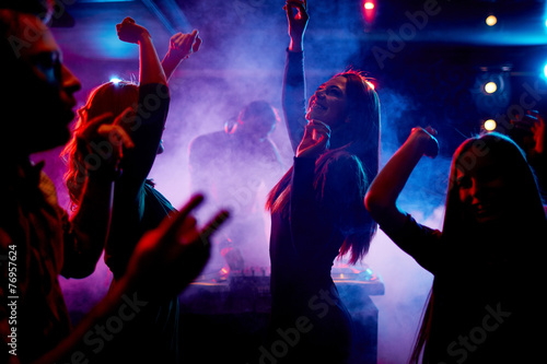 Dancing at disco Fototapeta