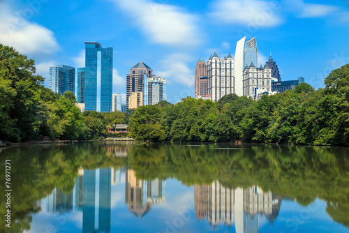 Fotomural  Skyline and reflections of midtown Atlanta, Georgia