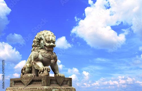 Foto auf Gartenposter Beijing Lion statue in Forbidden City, Beijing, China