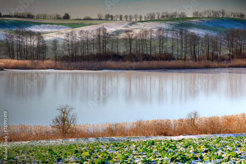 Zimowe Jezioro - 76993419