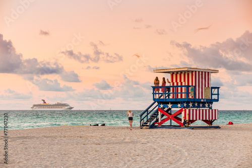 obraz lub plakat Lifeguard Tower w South Beach, Miami Beach, Floryda