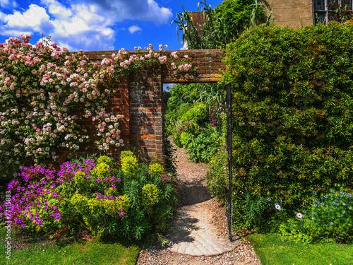 Leinwand Poster walled garden