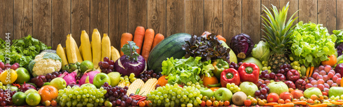 Tuinposter Keuken Fruits and vegetables organics