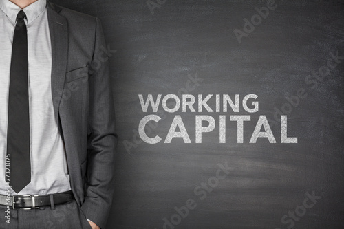 Foto  Working capital on blackboard