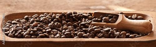 Frisch geröstete Kaffeekörner