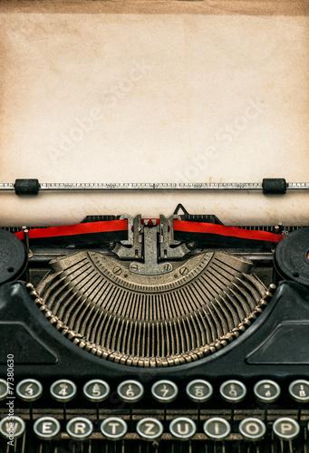 plakat Zabytkowe maszyny do pisania z arkusza papieru z teksturą wieku