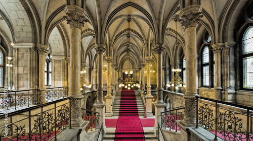 Spoed Fotobehang Wenen Rathaus Wien Innen