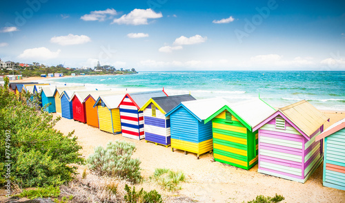 Poster Australie Beautiful Bathing houses on white sandy beach at Brighton beach,