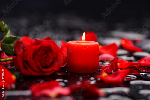 Staande foto Spa Valentines Day background-red rose with red candle