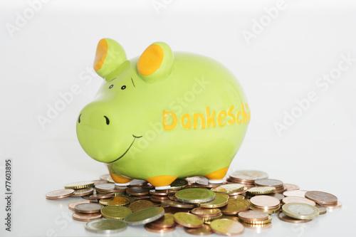 Photo  Sparschwein mit Münzen