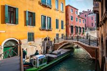 Bateau Poubelles à Venise