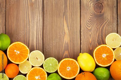 owoce-cytrusowe-pomarancze-limonki-i-cytryny