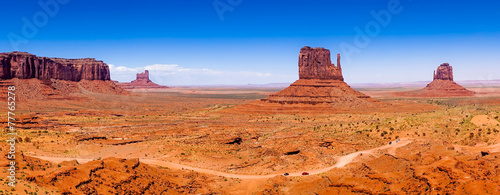 Stickers pour portes Orange eclat Buttes of Monument Valley, Utah, USA, panoramic view