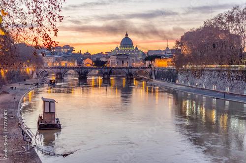 Foto op Aluminium Rome Vatican City and Tevere River in Rome at Dusk