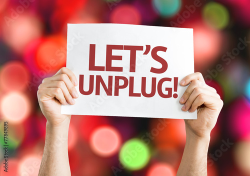 Fotomural Let's Unplug! card with colorful background