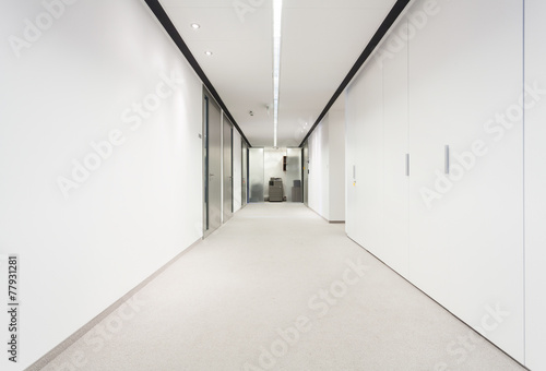 Fotografie, Obraz Long corridor in office building