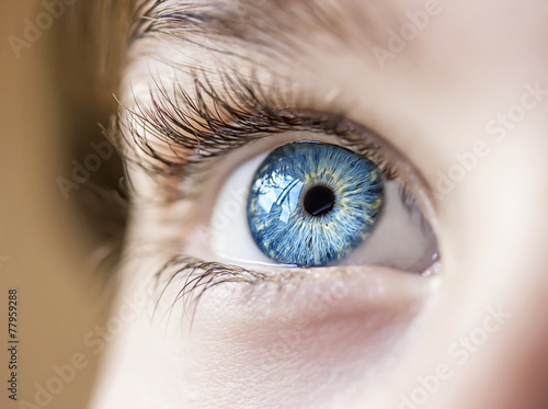 Foto auf AluDibond Iris insightful look blue eyes boy