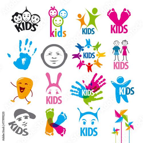 duzy-zestaw-dzieci-wektor-logo