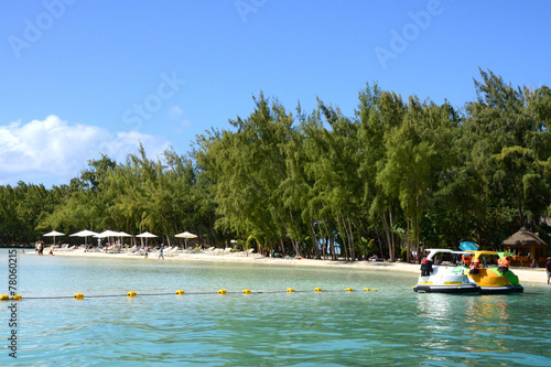 Photo Stands Water Motor sports Mauritius, picturesque Ile aux cerfs in Mahebourg area