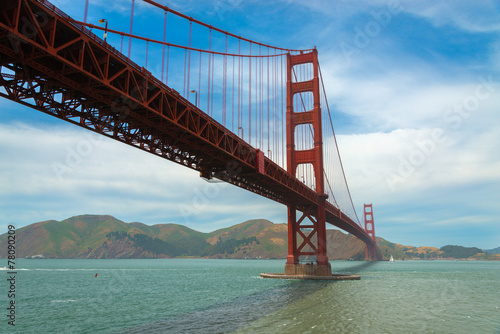 Tuinposter San Francisco The famous Golden Gate Bridge in San Francisco California