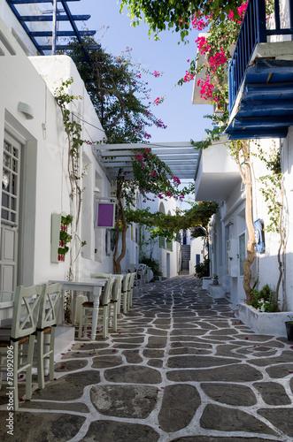 Fototapeta Ulica na wyspie Paros, Cyklady, Grecja wysoka