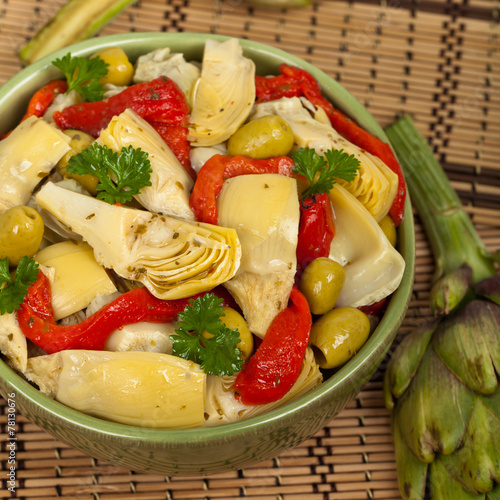 Spoed Fotobehang Eten Salad with Marinated Roasted Red Peppers, Artichokes, Olives