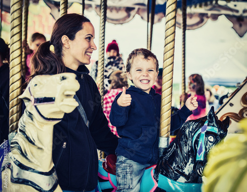 Poster Amusementspark Happy Boy and Mother on Carousel - Retro