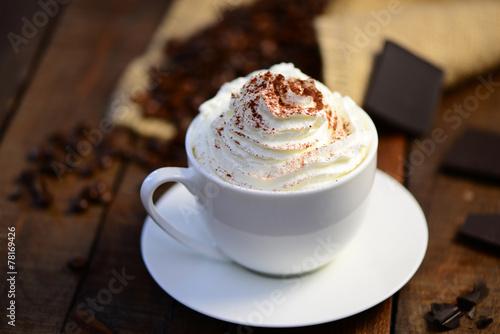 Foto op Plexiglas Chocolade Heiße Schokolade mit Sahne