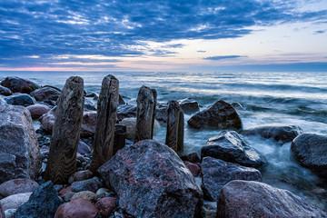 Fototapeta samoprzylepna Buhne an der Ostsee