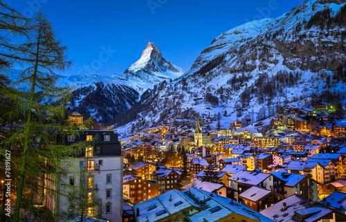 Obraz na plátně  Aerial View on Zermatt Valley and Matterhorn Peak at Dawn, Switz
