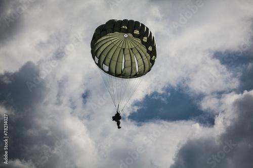 Photo Parachutist in the war