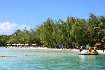 Fototapeta na wymiar Mauritius, picturesque Ile aux cerfs in Mahebourg area