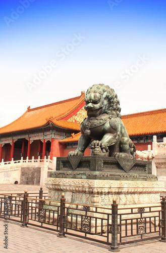 Foto op Aluminium Beijing Ancient lion statue, Forbidden City, Beijing, China