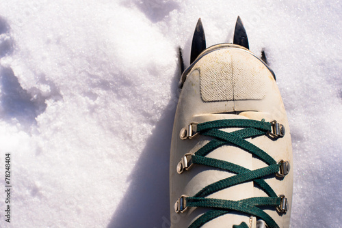 Foto op Plexiglas Alpinisme winter climb boot