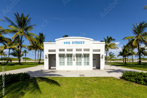 Foto op Plexiglas Stadion public restroom at Ocean Drive in South Beach