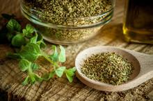 Oregano Spices And Olive Oil F...